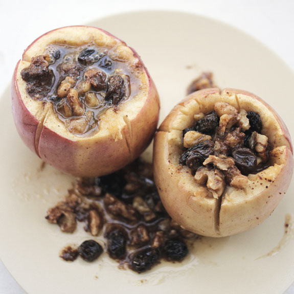 Spiced Autumn Apples Baked in Brandy- the most delicious baked apple recipe on Pinterest!