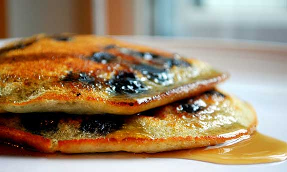 paleo blueberry banana pancakes
