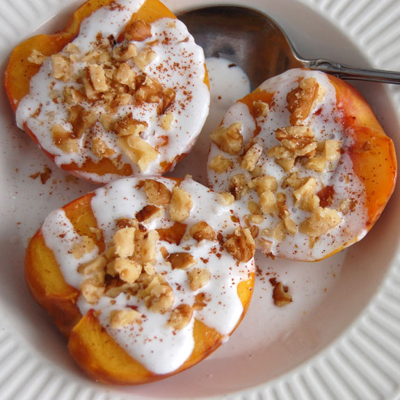 Grilled Peaches with Coconut Cream- healthy & refreshing dessert.