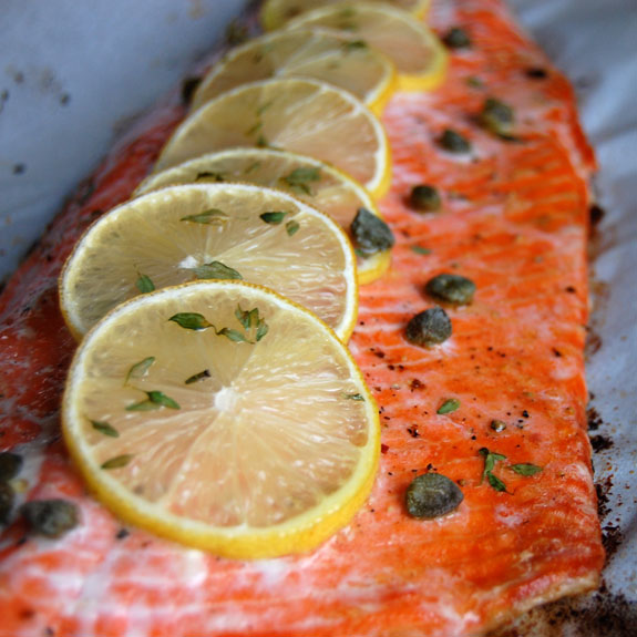 Simple baked salmon with lemon and thyme paleo grubs for How to cook salmon fish