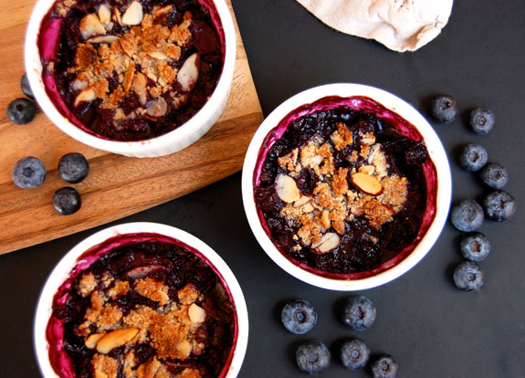 Legendary Gluten-Free Blueberry Crisp (YUM!) | Paleo Grubs