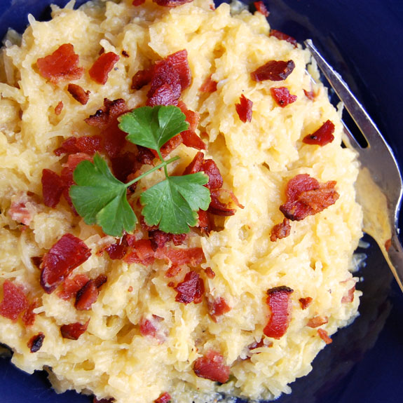 Spaghetti Squash Carbonara- a mouthwateringly delicious, low-carb version of Carbonara. SO flippin good!