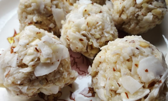 Raw Salted Almond Macaroons