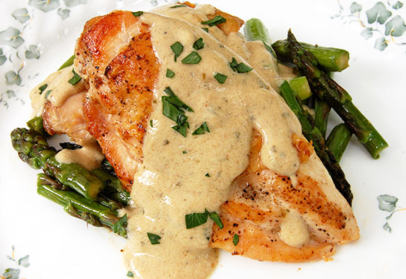chicken with mustard sauce and asparagus