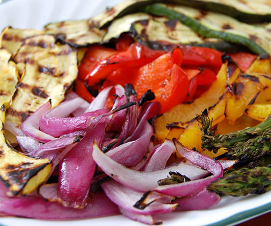 Grilled Veggie Salad Platter- this makes a delicious and wholesome lunch or quick meal. Love it!