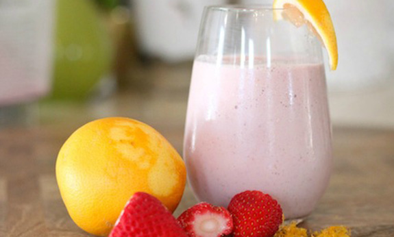 Creamy Dreamy Strawberry Breakfast Smoothie