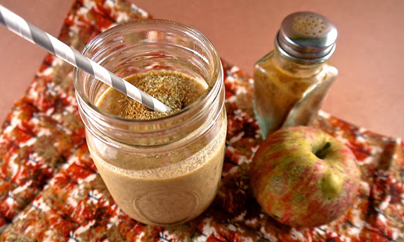 Paleo Apple-Peach Cobbler Shake