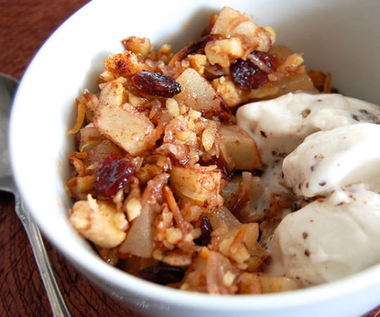 Homemade Paleo Pear & Cranberry Crisp- you need to try this! My non-Paleo believing friends loved this dessert.