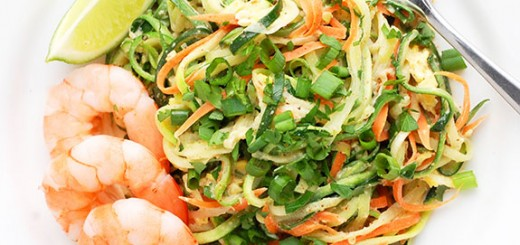 Yummy Paleo Pad Thai with Zucchini Noodles- an addictive, low carb, completely gluten free Pad Thai! You need to try this.