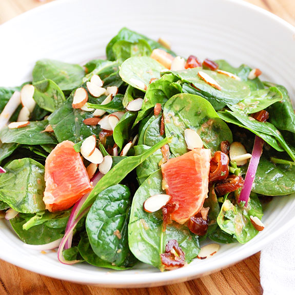 Blood Orange and Spinach Salad with Citrus Dressing- love this! It is the perfect wholesome and refreshing salad for the Spring and Summer.