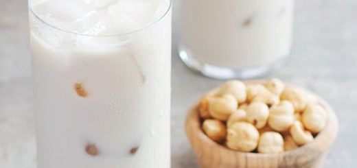 One sip of this hazelnut horchata and you'll be hooked. All of the flavor of traditional horchata with the extra bonus of hazelnut goodness throughout.