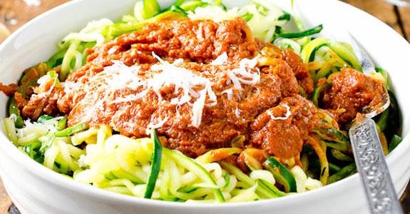 15-Minute-Zucchini-Spaghetti-With-Tomato-Sauce