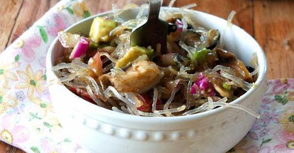 Bacon-and-Avocado-Kelp-Noodle-Salad