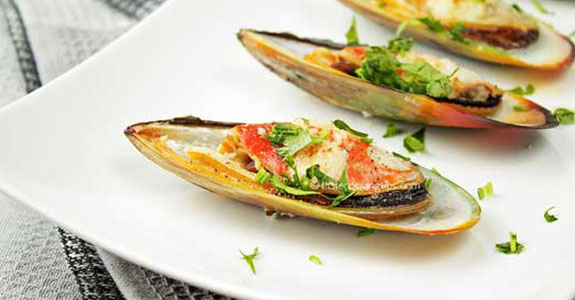 Garlic Butter Broiled Mussels