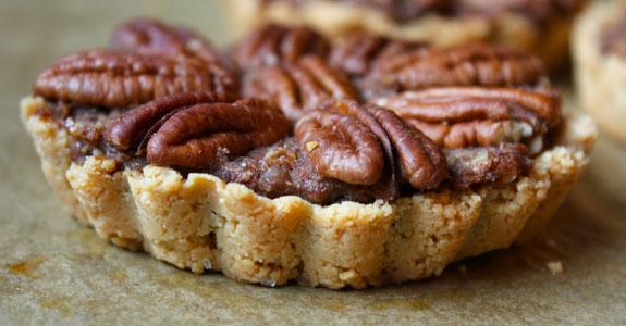 Mini-Cinnamon-Pecan-Pie