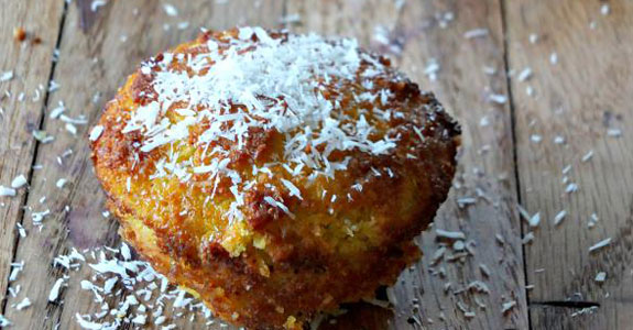 Pineapple-Coconut-Muffins