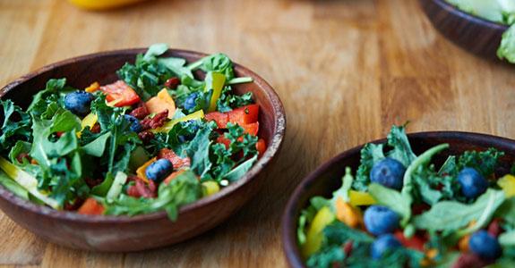 Goji-Berry-Blueberry-Rainbow-Salad