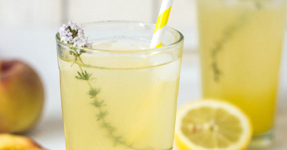 Maple-Lemonade-With-Peaches-and-Thyme