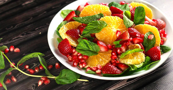 Orange-Pomegranate-Salad-With-Strawberries
