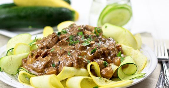 Skinny-Beef-Stroganoff-on-Zucchini-Ribbons