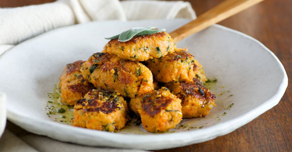 Sweet-Potato-and-Spinach-Gnocchi-With-Garlic-Oil