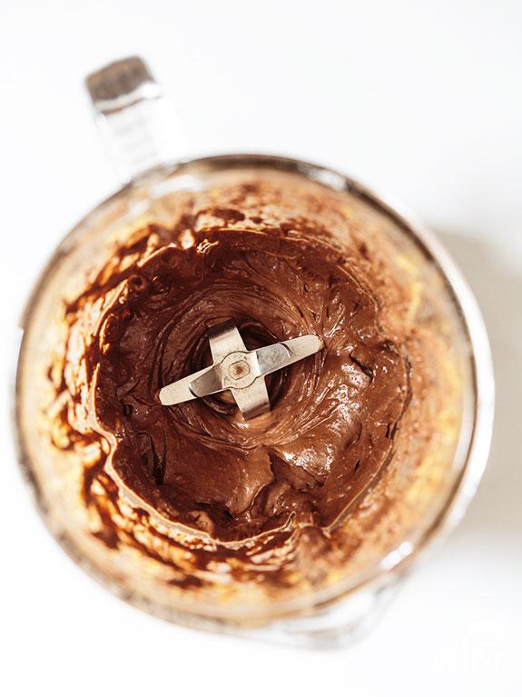 blending the nutella