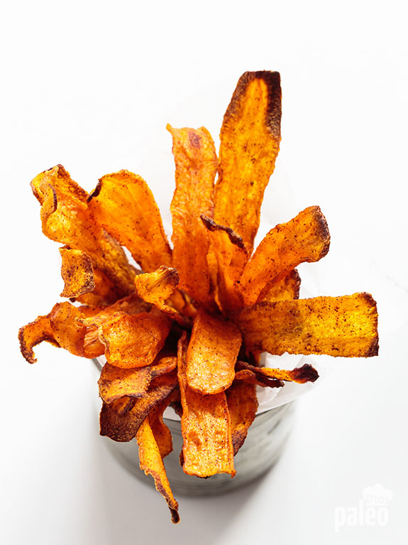 Crispy Carrot Chips -- dip these in a greek yogurt tzatziki sauce and it would be the ULTIMATE snack!