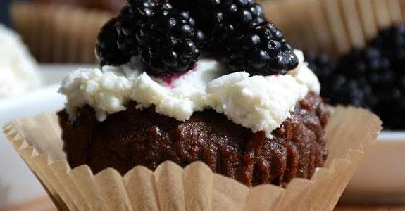 Chocolate-Fig-Walnut-Muffins