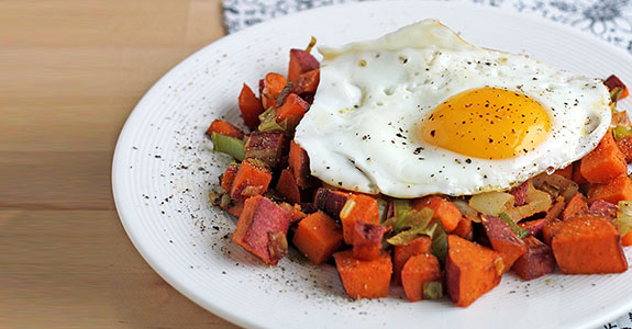 Sweet-Potato-and-Leek-Hash-With-Fried-Eggs