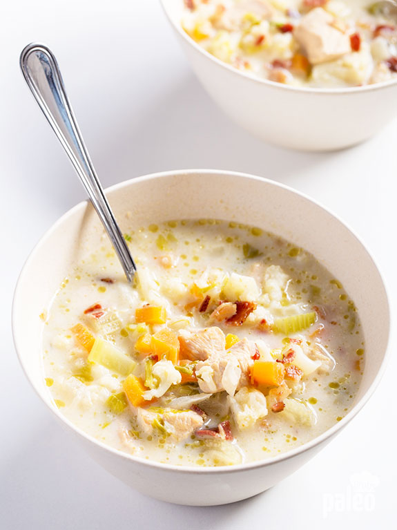 This simple, hearty cauliflower and chicken chowder is perfect for a no-hassle meal! It is wholesome, tasty and really easy to make in a slow cooker.