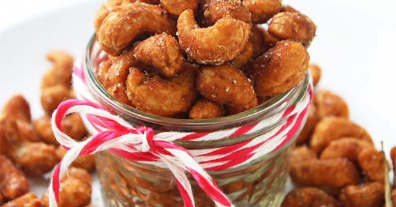 Sweet and Spicy Roasted Cashews