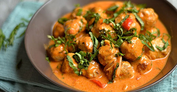 Thai Coconut Curry With Turkey Meatballs