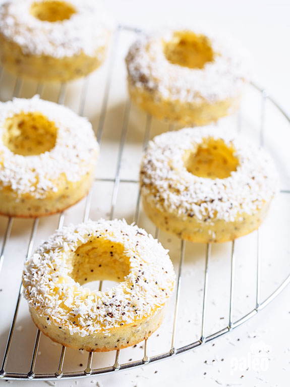 Skip the local donut shop drive-thru and grab a homemade Paleo lemon poppyseed donut instead!