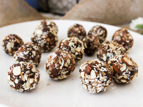 5 Ingredient Coconut Almond Date Balls