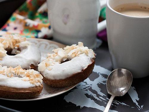 Baked Coconut Cream Donuts With Coconut Cream Glaze