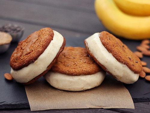 Chocolate Chip Cookie Banana Ice Cream Sandwiches