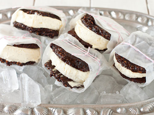 Chocolate Cookie Vanilla Bean Ice Cream Sandwiches