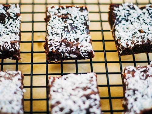 Raw Chocolate and Walnut Fudge Brownies