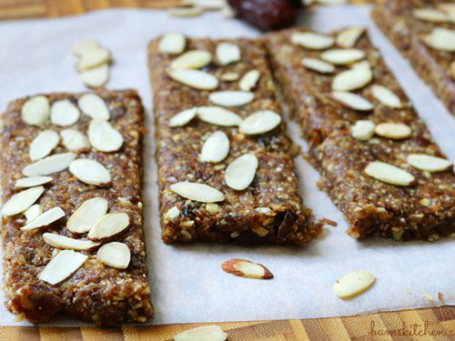 Toasted Almond and Date Larabars