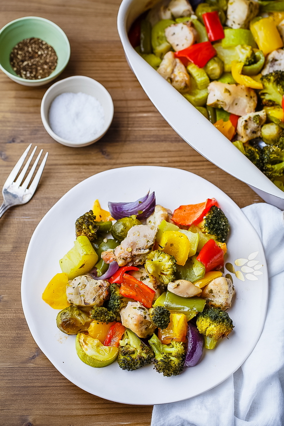I love how it only takes 20 minutes to cook up this perfect chicken and vegetables recipe. Weeknights rock!