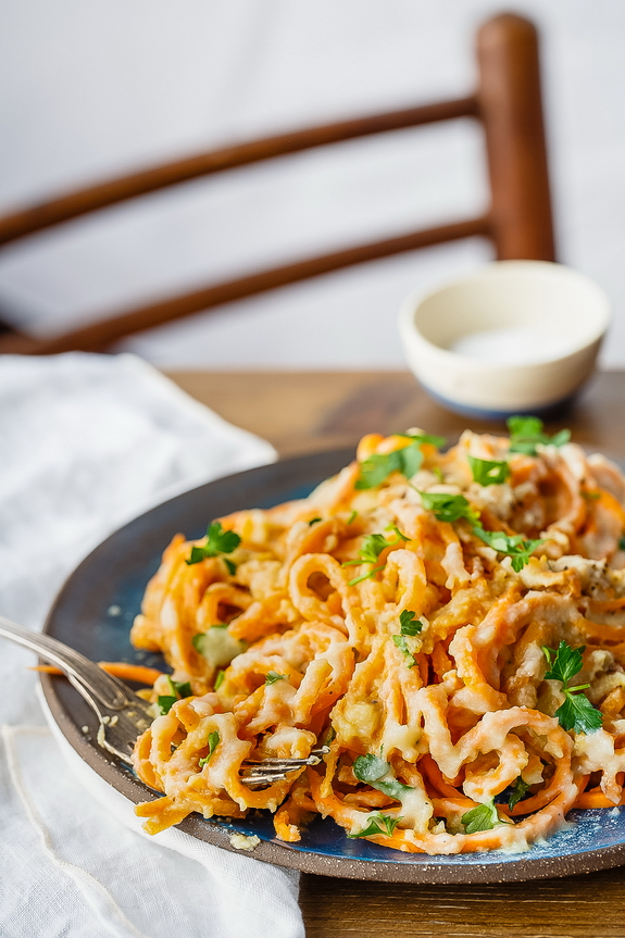 I can't believe how creamy this Cauliflower Alfredo turns out. All of the yum of a traditional sauce, plus a serving of veggies!