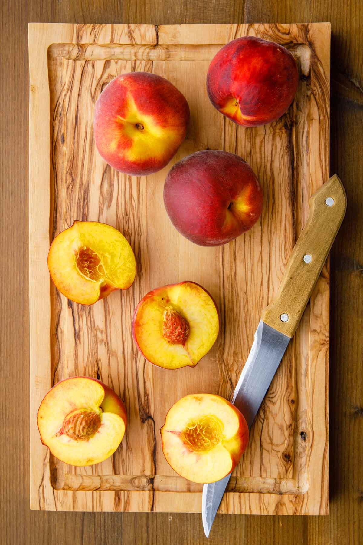 cutting the peaches