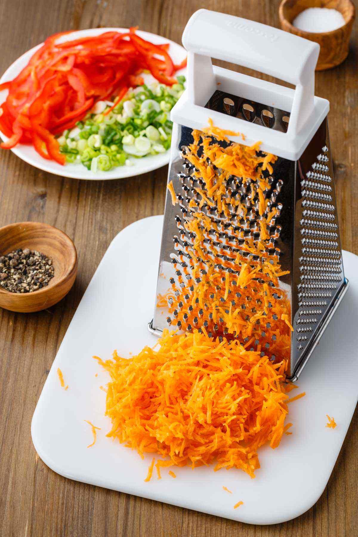 shredding carrots