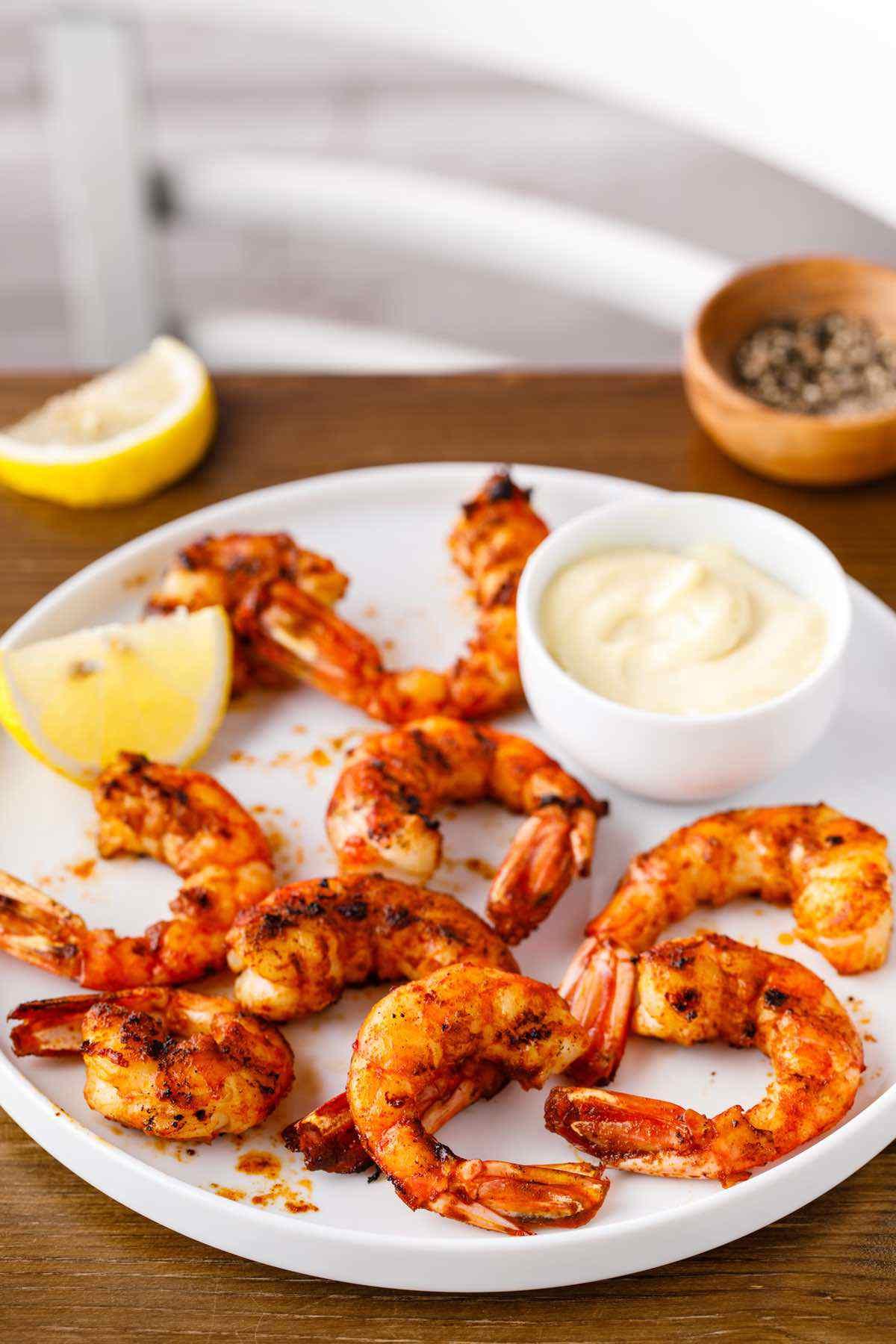 paleo grilled paprika shrimp with garlic aioli