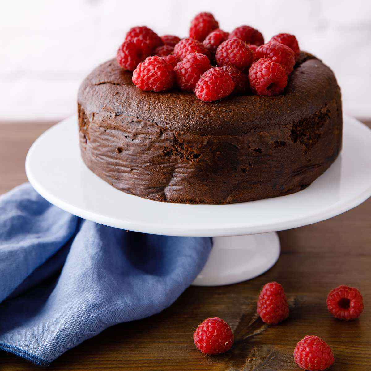 Paleo Chocolate Raspberry Cake Easy Guilt Free Dessert Paleo Grubs
