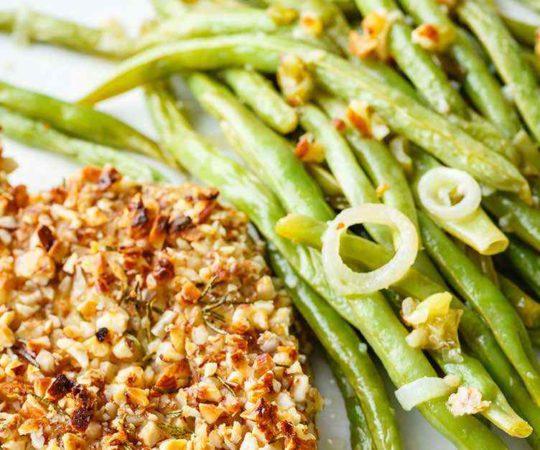 Sheet Pan Almond Chicken and Green Beans