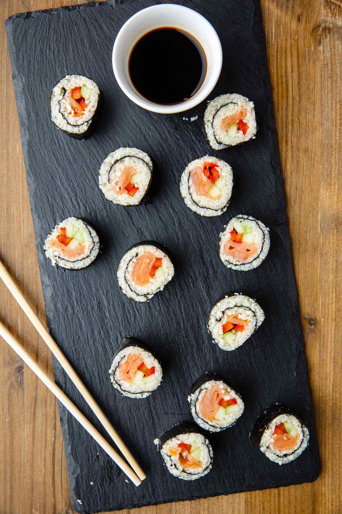 paleo cauiliflower rice sushi rolls