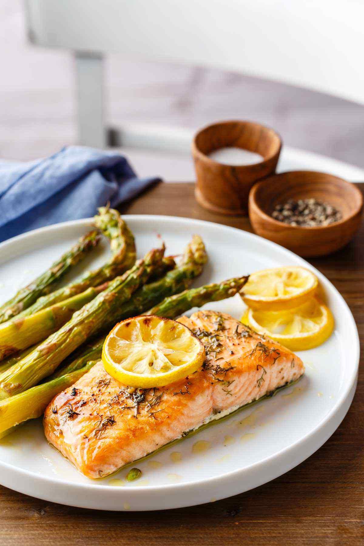 paleo salmon asparagus