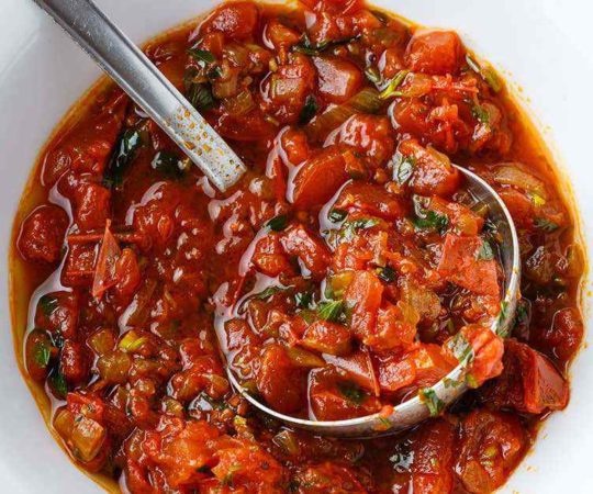 5 Ingredient Overnight Tomato Sauce