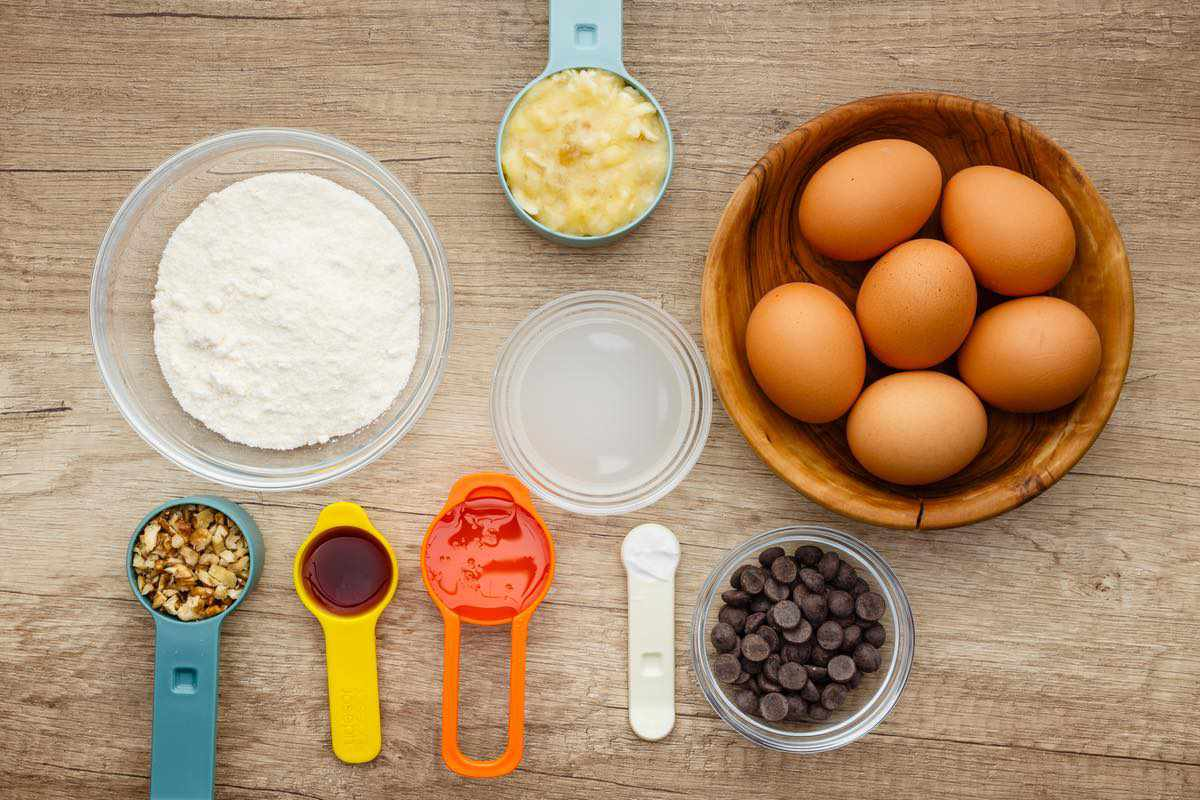 coconut flour muffin ingredients